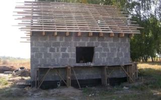 Этапы строительство бани из арболита своими руками