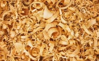 Виды и характеристики древесной стружки: как ее можно получить и где использовать